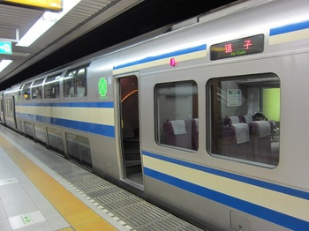 120523_GreenCar_TokyoSta.jpg
