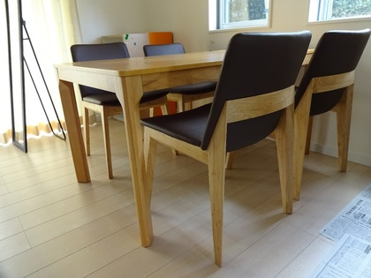 140824_table&chair_3.jpg